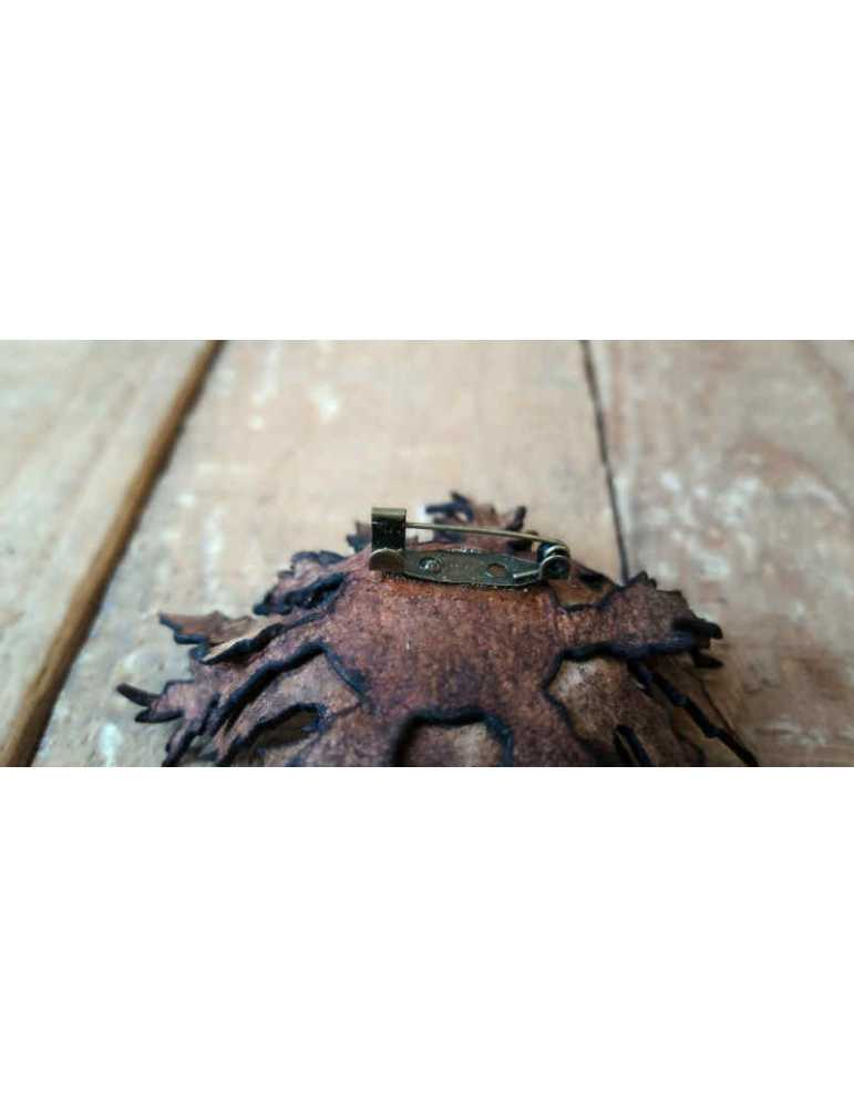 Eguzkilore Brooch  Hieros Leather Eguzkilore broche nº 004. Hecho a mano Eguzkilore Nº 004. Realizado con piel de ternera, y pos